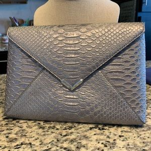 STELLA & DOT City Slim Clutch in Exotic Pewter